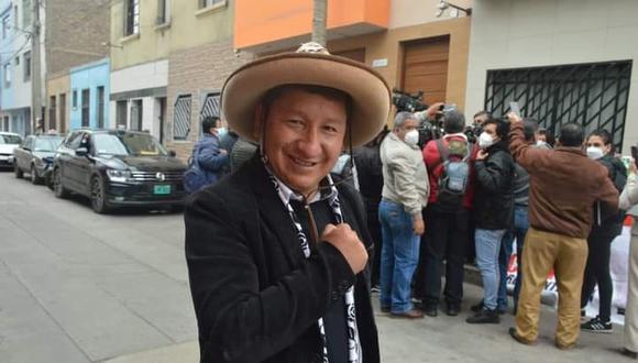 El legislador de Perú Libre enfrenta un proceso administrativo que podría terminar con una multa no menor de diez ni mayor de treinta. (Facebook/Guido Bellido)