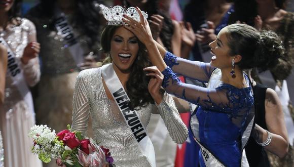 Isles no entendió que ella era la ganaradora de la corona pues no habla inglés. (AP)