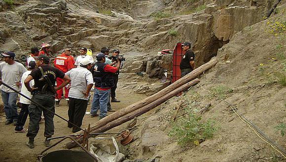 Se han establecido turnos de cuatro horas para las labores de rescate. (USI)