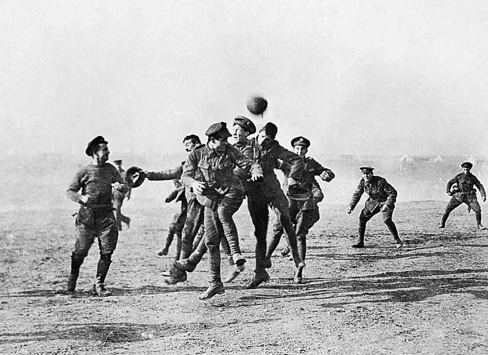 La 'Tregua de Navidad': El conmovedor evento que detuvo la Primera Guerra Mundial por unas horas