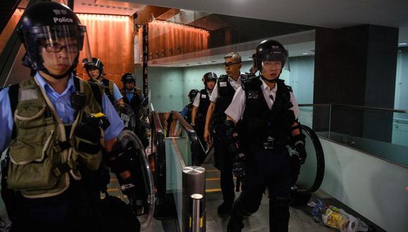 La Policía de Hong Kong recuperó el control del Parlamento tras invasión de manifestantes. (Foto: AFP)