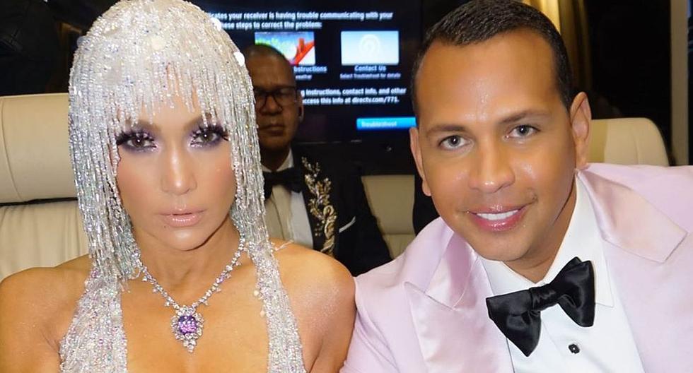 Jennifer Lopez y Álex Rodriguez comparten romántica escena en medio de la fiesta de la gala MET 2019. (Foto: @arod)
