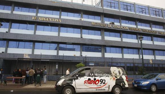 Desinterés. Una alumna del colegio Argentina se quitó la vida. (USI)