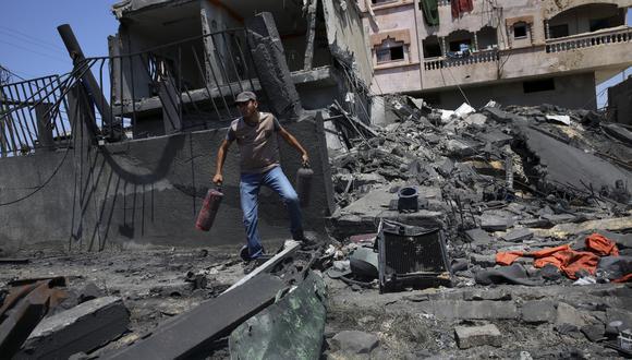 Últimos bombardeos causaron la muerte de tres palestinos: un miliciano, una mujer embarazada y su hijo de año y medio. Al menos siete israelíes resultaron heridos. (Foto: AP)