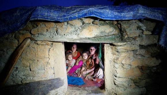Gobierno modifica penas contra 'chozas menstruales' que siguen causando la muerte en Nepal. (Reuters)