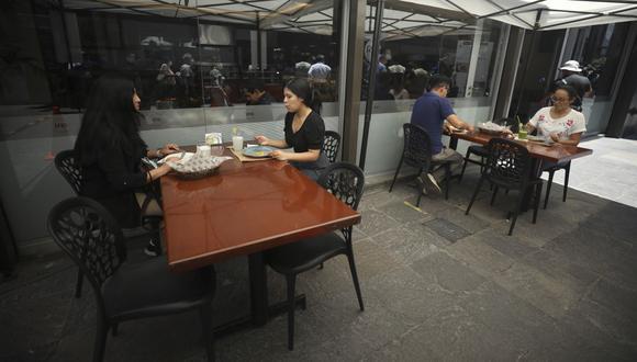 Los restaurantes tendrán un aforo del 50% desde el lunes 21 de junio. (Foto: GEC)