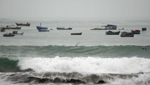 Los oleajes se iniciaron la madrugada de hoy y durarían hasta la tarde del sábado 24 de diciembre. (Andina)
