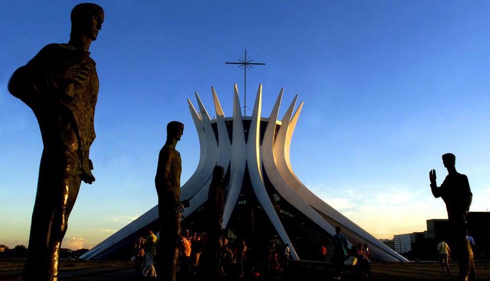 La Catedral Metropolitana Nossa Senhora Aparecida, más conocida como la Catedral de Brasilia, fue terminada en 1970. (AP)