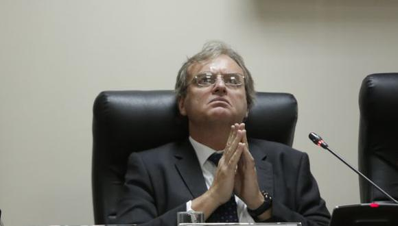 Carlos Basombrío deberá responder 39 preguntas de la oposición sobre la problemática de su sector (Piko Tamashiro)