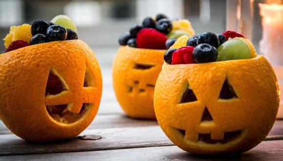 Recomiendan a padres de familia optar por snacks saludables como frutas y jugos naturales para la noche de Halloween. (Créditos: INS)