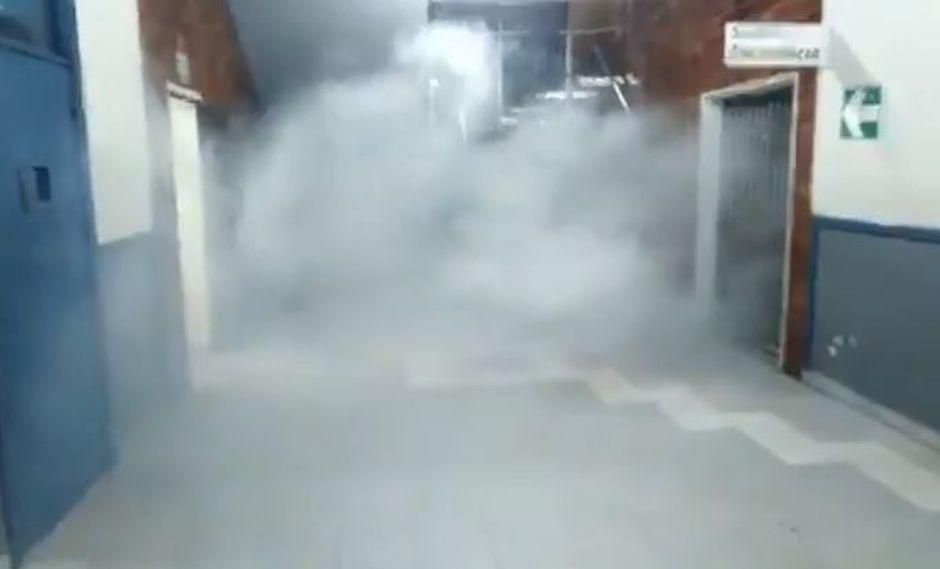 Bombas lacrimógenas al interior de la Universidad San Marcos. | Captura