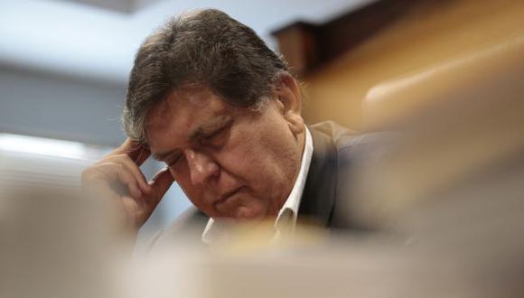 BLANCO APRISTA. Al igual que hace más de dos décadas, Alan García está bajo la lupa fiscal. (César Fajardo)