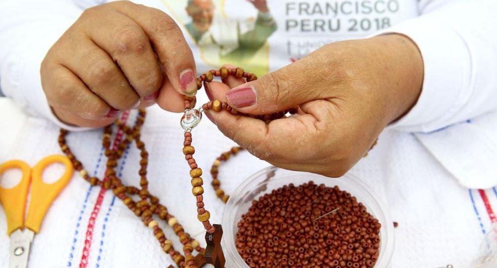 Cada interno confeccionó 500 rosarios, diez minutos por cada uno. (Andina)