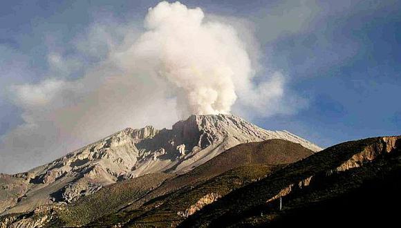 Instituto Minero, Geológico y Metalúrgico también monitorea el cráter. (USI)