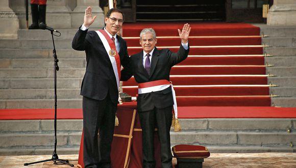Ahora a trabajar. Tras diez días de deliberaciones, el presidente Vizcarra y el premier Villanueva lograron formar el nuevo gabinete. (USI)