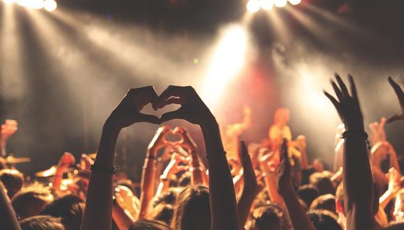 Regalarle la entrada a uno de sus espectáculos favoritos, será un obsequio que nunca olvidará. (Foto: Pixabay)