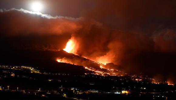 La lava ha penetrado las calles de La Palma. (Foto: EFE)