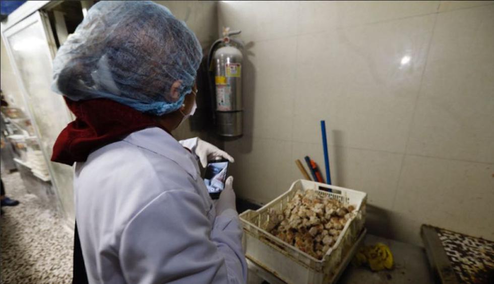Calle Capón: Cucarachas se pasean en cocinas de restaurantes del Barrio Chino. (MML)