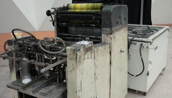 LA FÁBRICA. Se incautaron modernas máquinas en la imprenta. (César Fajardo)