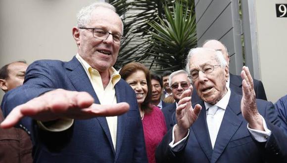 Luis Bedoya Reyes visitó, junto a la cúpula del PPC, a PPK en su vivienda. (Piko Tamashiro/Perú21)