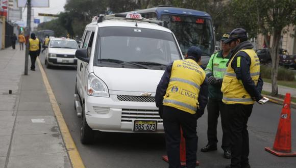 Con 'Pico y placa' se busca reducir la cantidad de vehículos en las vías, agilizar el tránsito y promover el uso del transporte público formal. (Foto: GEC)
