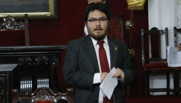 Hernán Núñez seguirá siendo el teniente alcalde de Susana Villarán. (Perú21)