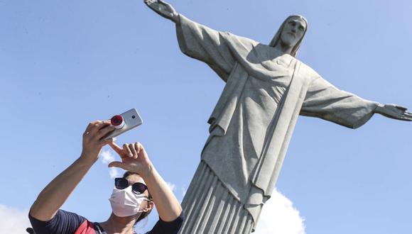 La economía se vio arrastrada principalmente por el desplome del 4.5% del sector servicios, que es responsable de cerca del 70% del PBI de Brasil. (Foto: EFE)