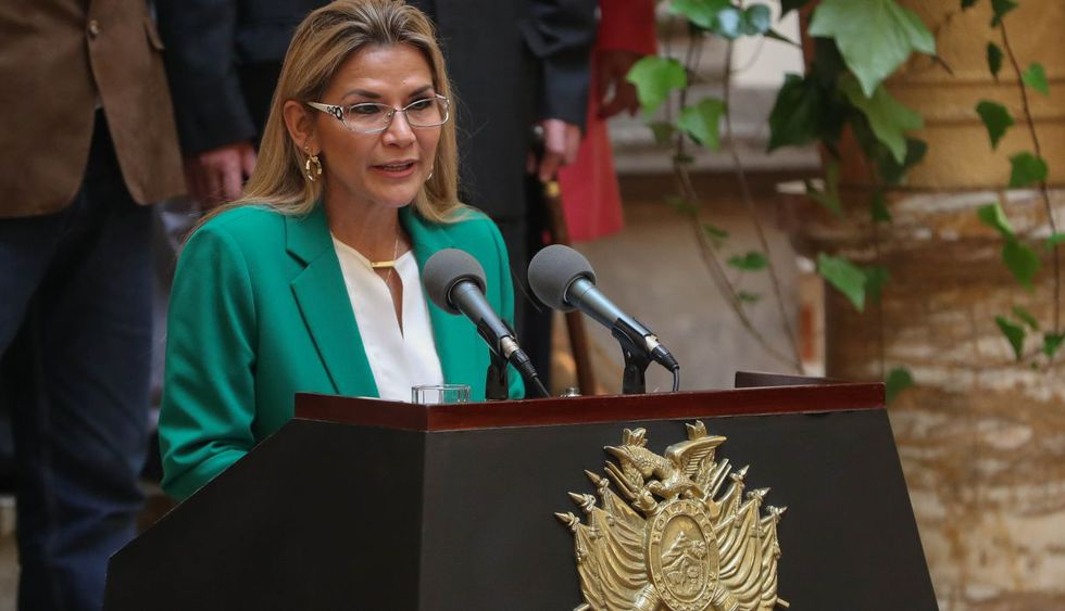 Jeanine Áñez lanzó duras críticas contra Evo Morales, al afirmar que Bolivia pudo convertirse en Venezuela. (Foto: EFE)