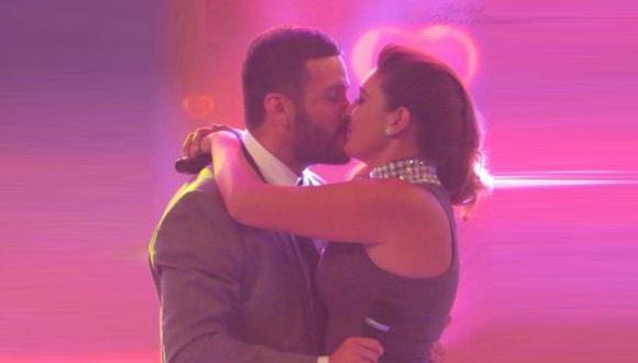 Tilsa Lozano lloró con la emotiva sorpresa de su pareja Miguel Hidalgo. (Captura América Televisión)