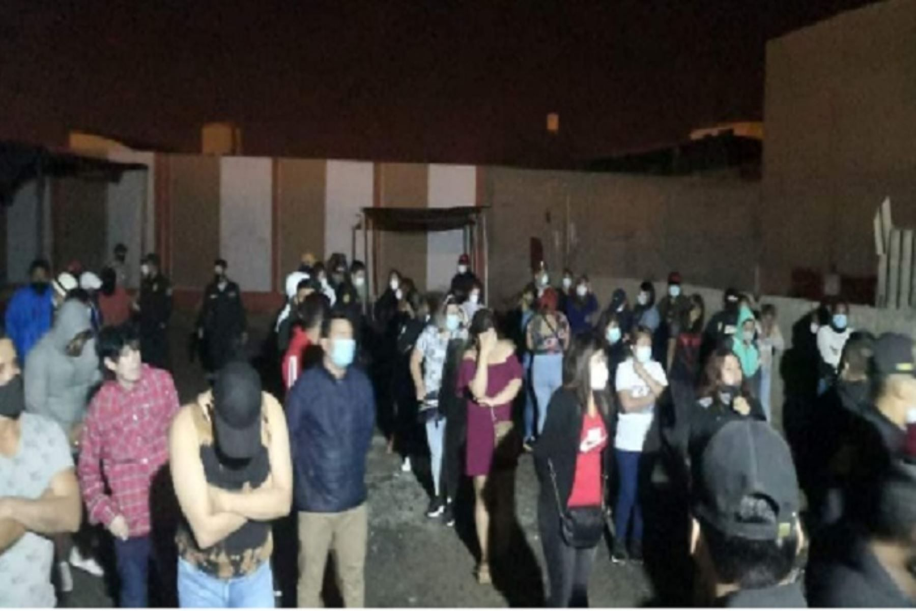 ancash-mas-de-60-personas-son-intervenidas-por-participar-de-fiesta-en-cevicheria-de-chimbote