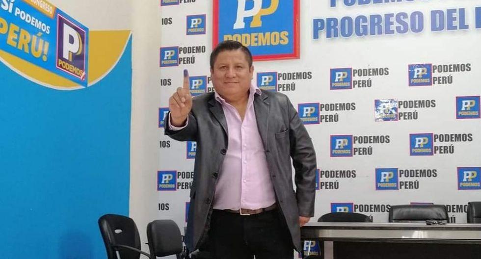 """Robert Muñoz, vocalista de la agrupación """"Clavito y su chela"""", postulará al Congreso. (Foto: Facebook)"""