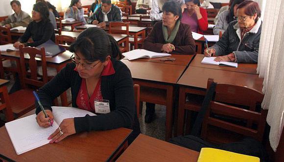 Muchos docentes viajaron en vano para rendir una prueba que luego se postergó. (USI/Referencial)