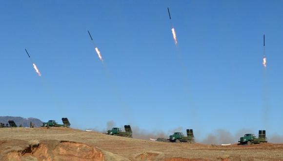 AMENAZA LATENTE. En teoría, misiles norcoreanos podrían llegar hasta territorio estadounidense. (Reuters)