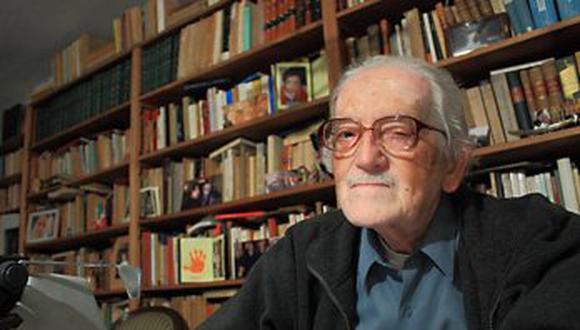 Hace una década exactamente, Luis Jaime Cisneros falleció a los 89 años. El notable lingüista y querido maestro universitario es hoy una figura inolvidable por su honestidad intelectual y sentido ético de la vida en común. (Foto: Archivo GEC)