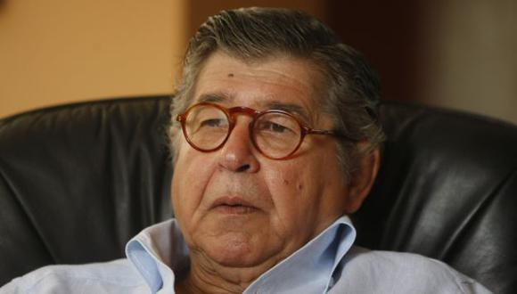 Escritor recibirá US$150 mil. (Perú21)