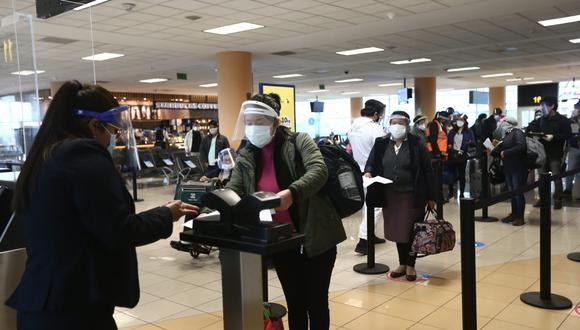 Para el Cusco hay seis vuelos diarios, pero salen con el 70% de ocupantes, según Canatur. (Foto: GEC)