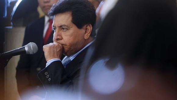León también llamaba por teléfono al narco, según versión de Villavivencio. (Perú21)