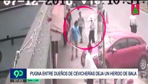 Hieren de bala a trabajador de cevichería. (Foto: Captura de video / 90 Sábado)