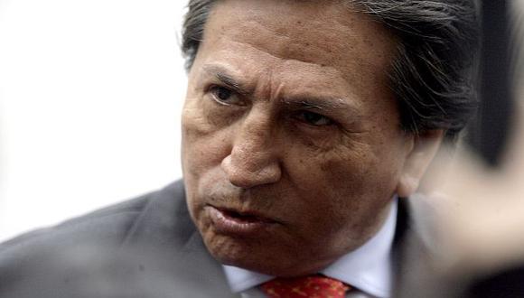 Toledo se enreda más en sus contradicciones. (Peru21)