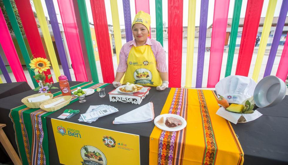 Madres de familia se presentaron en concurso que buscaba la receta más nutritiva. (Foto: Difusión)