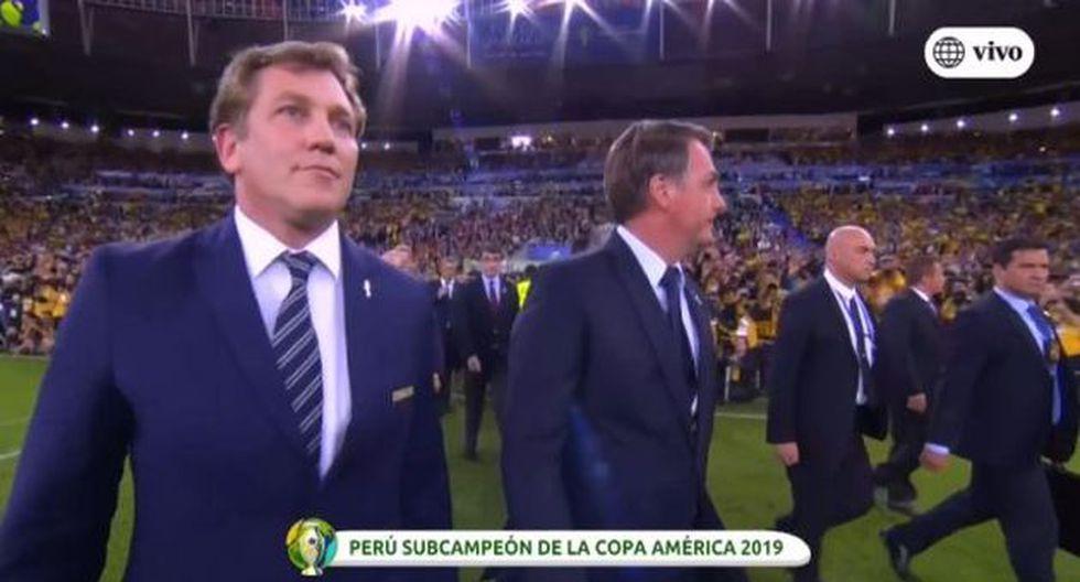 Presidente Jair Bolsonaro ingresa a estadio Maracana y lo abuchean. (Captura)
