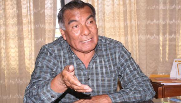 El exburgomaestre  estuvo tres periodos en la alcaldía de Catacaos (1990-1993, 2006-2010 y 2010-2014).