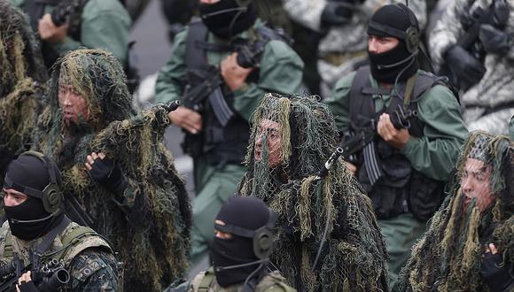 La Marina de Guerra, las Fuerzas Armadas y el Ejército Peruano fueron las primeras en marchar. (Luis Gonzales)