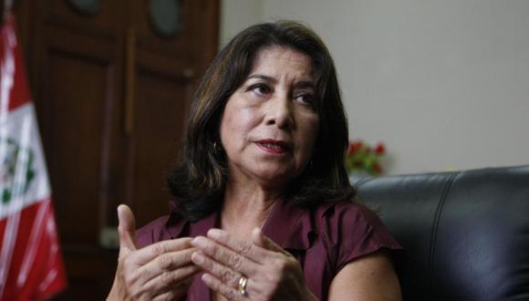 Martha Chávez se preguntó si en el futuro se obligará a las empresas, ONG y otras instituciones a tener igual número de trabajadores hombres y mujeres.(Foto: GEC)