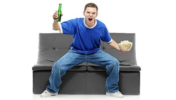 Hay que evitar tomar gaseosas y comer bocaditos ricos en grasas y sodio. (USI)