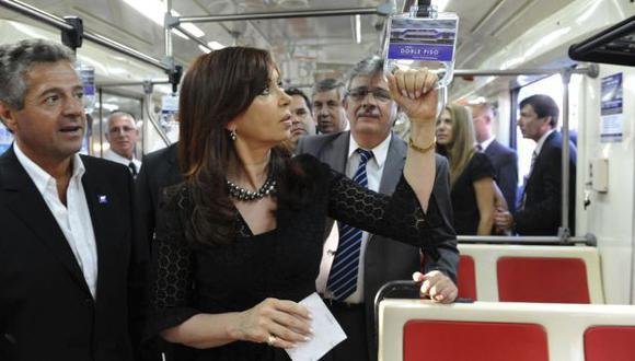 INDIFERENTE. Analista criticó actitud de presidenta en la tragedia ferroviaria que dejó 51 muertos. (Reuters)