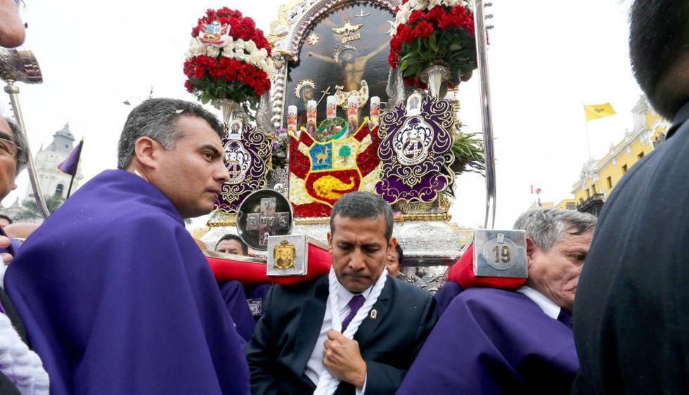 Ollanta Humala cargó el anda del Señor de los Milagros. (Difusión)