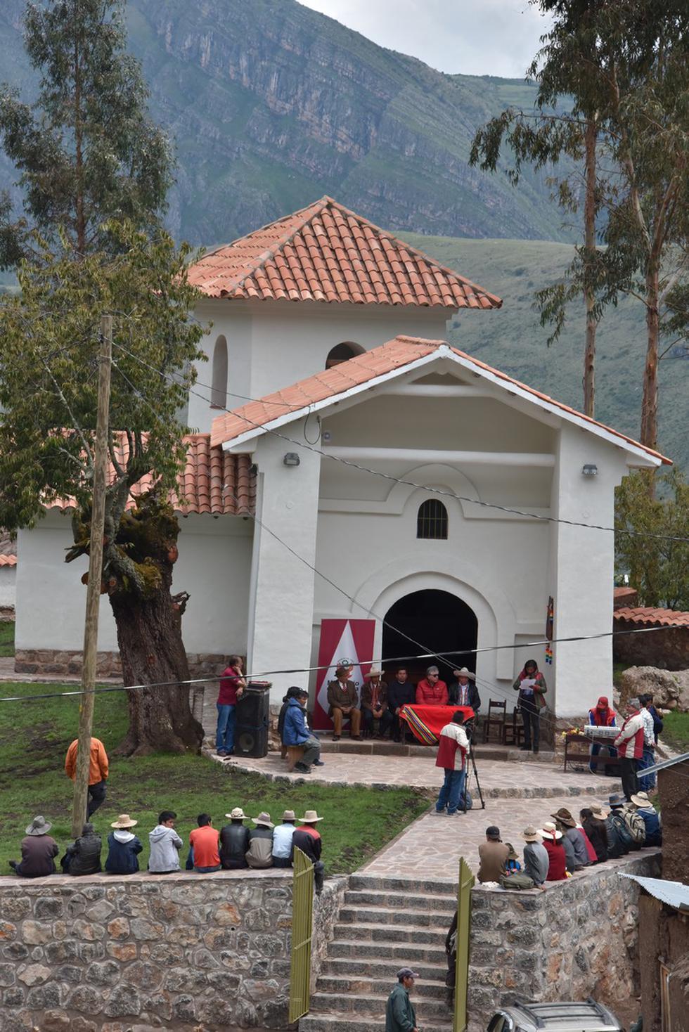 Ermita guarda retablos y esculturas de enorme valor histórico.