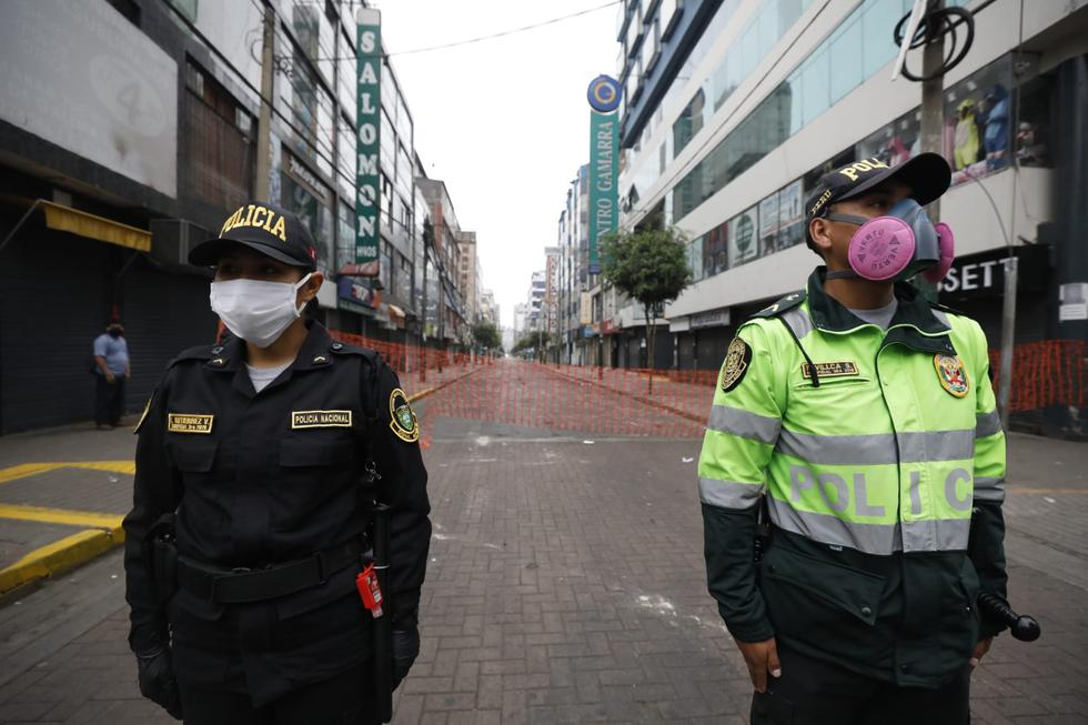 Cerraron accesos y desalojaron ambulantes en Gamarra. Además, ministros Martos y Rodríguez así como alcalde Forsyth inspeccionan la zona. (Fotos: Diana Marcelo/GEC)