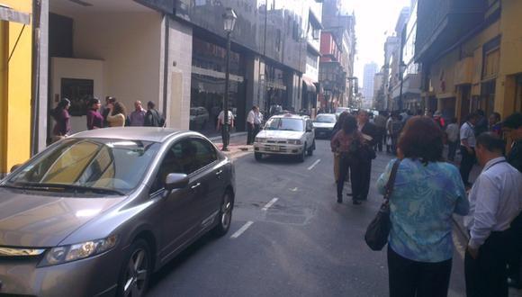 Limeños evacuaron a las calles. (Herbert Olguín/USI)